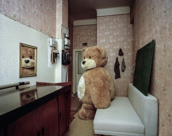 portraits-of-cosplayers-at-home-by-klaus-pichler-11