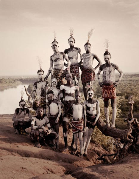 photographs-of-vanishing-tribes-before-they-pass-away-jimmy-nelson-38__880