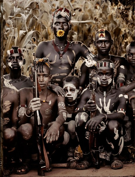 photographs-of-vanishing-tribes-before-they-pass-away-jimmy-nelson-41__880