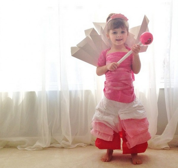 Paper-Dresses-by-4-Year-Old-Girl-18