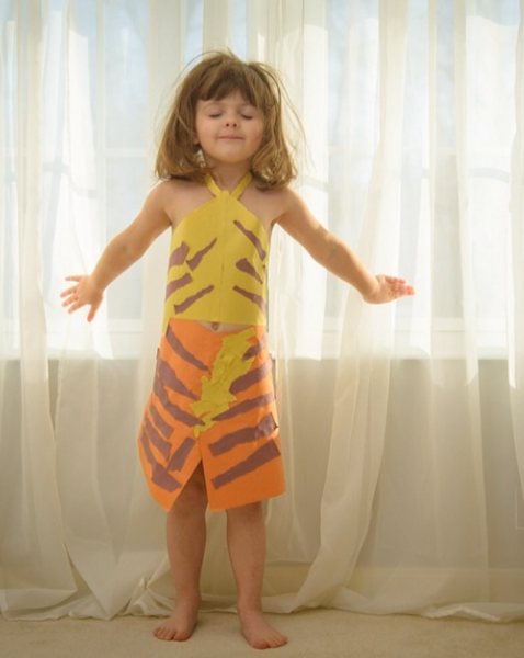 Paper-Dresses-by-4-Year-Old-Girl-20