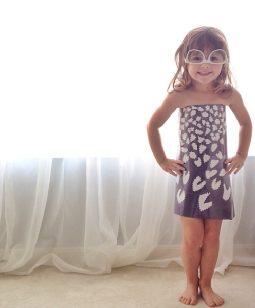 Paper-Dresses-by-4-Year-Old-Girl-3
