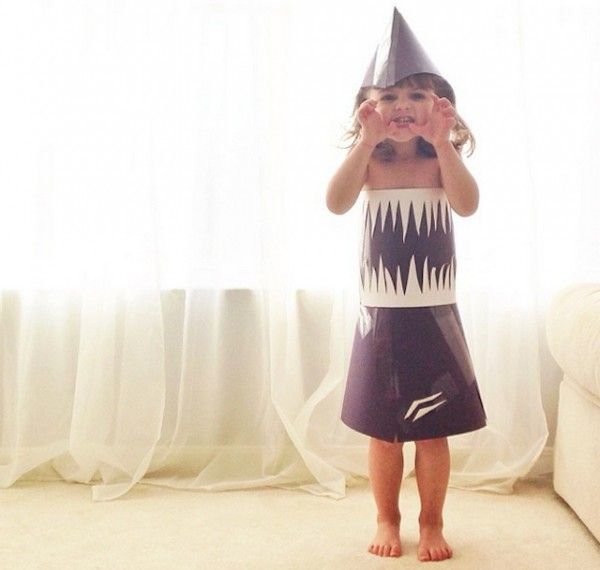 Paper-Dresses-by-4-Year-Old-Girl-5