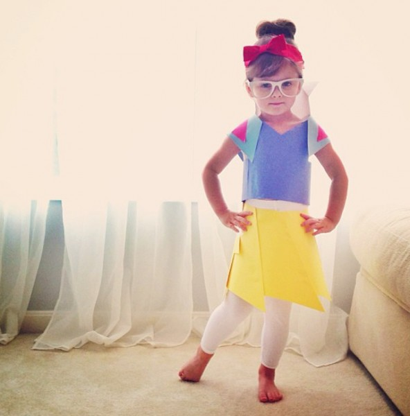 Paper-Dresses-by-4-Year-Old-Girl-6