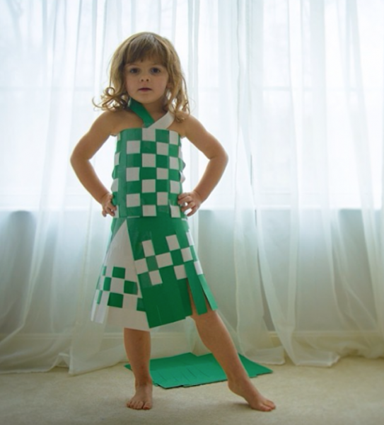 Paper-Dresses-by-4-Year-Old-Girl-8