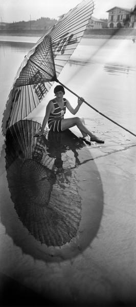 jacques-henri-lartigue-bibi-1927