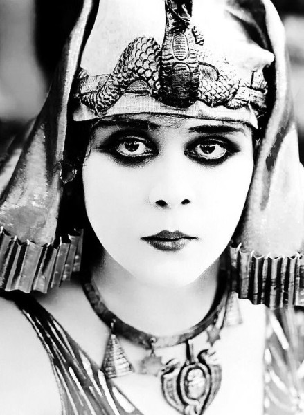 Original Caption: This is a close up of Theda Bara as Cleopatra