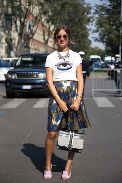 STREET STYLE GRAPHIC TEE AND PRINTS Elena Braghieri