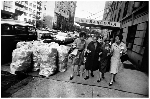 garry-winogrand-untitled-new-york-ca-1970