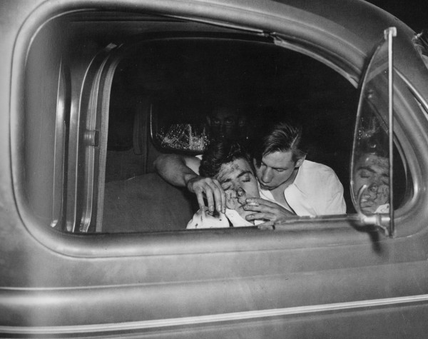 weegee-car-crash-upper-5th-ave-1941